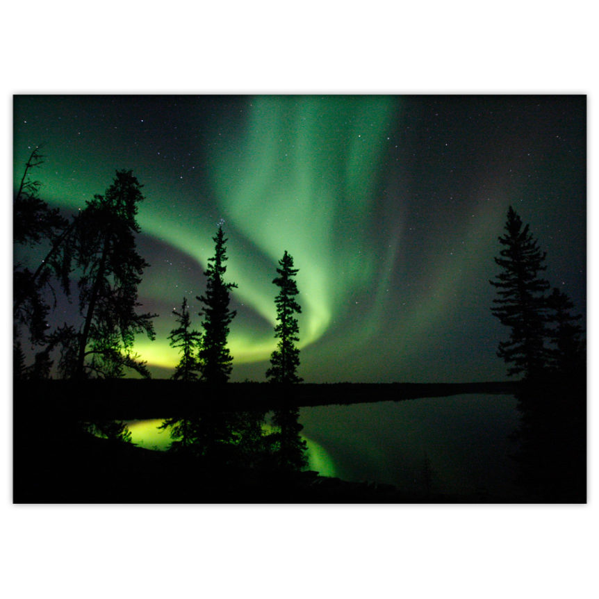 northern lights, Pine Lake, Canada